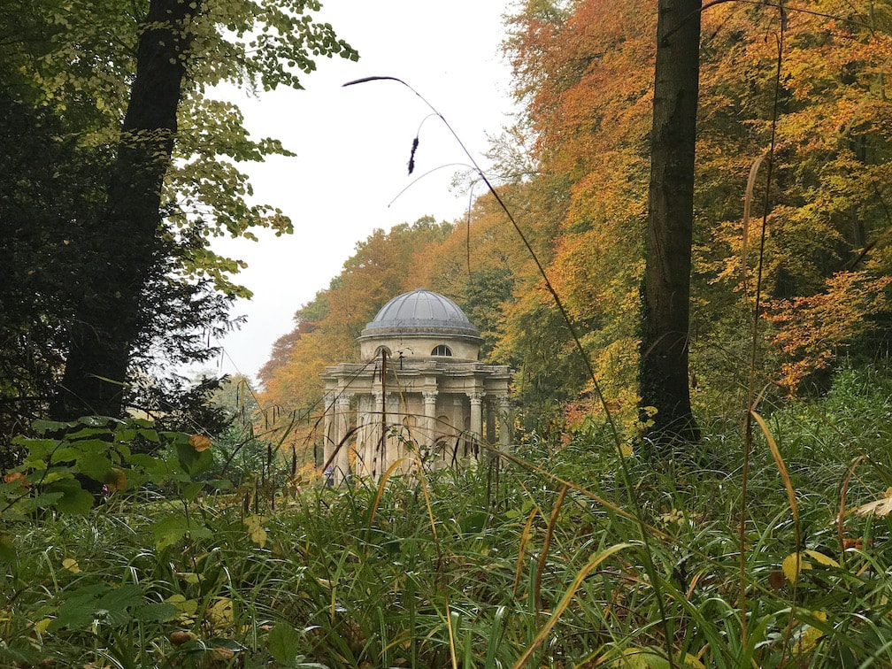 My bucket list day out - Guest post #1 - Devon Mama Stourhead estate