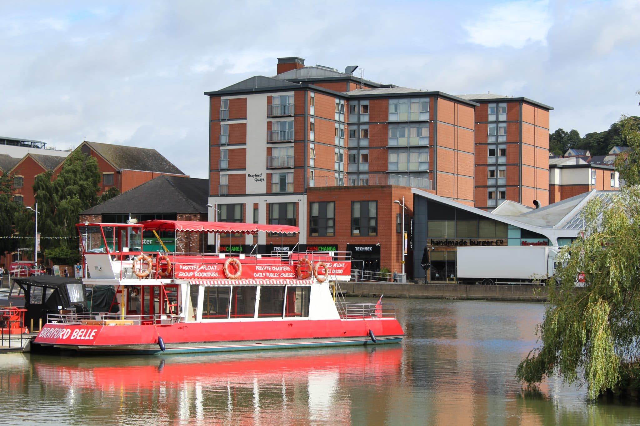 Lincoln Boat Trips - A Journey on the Brayford Belle