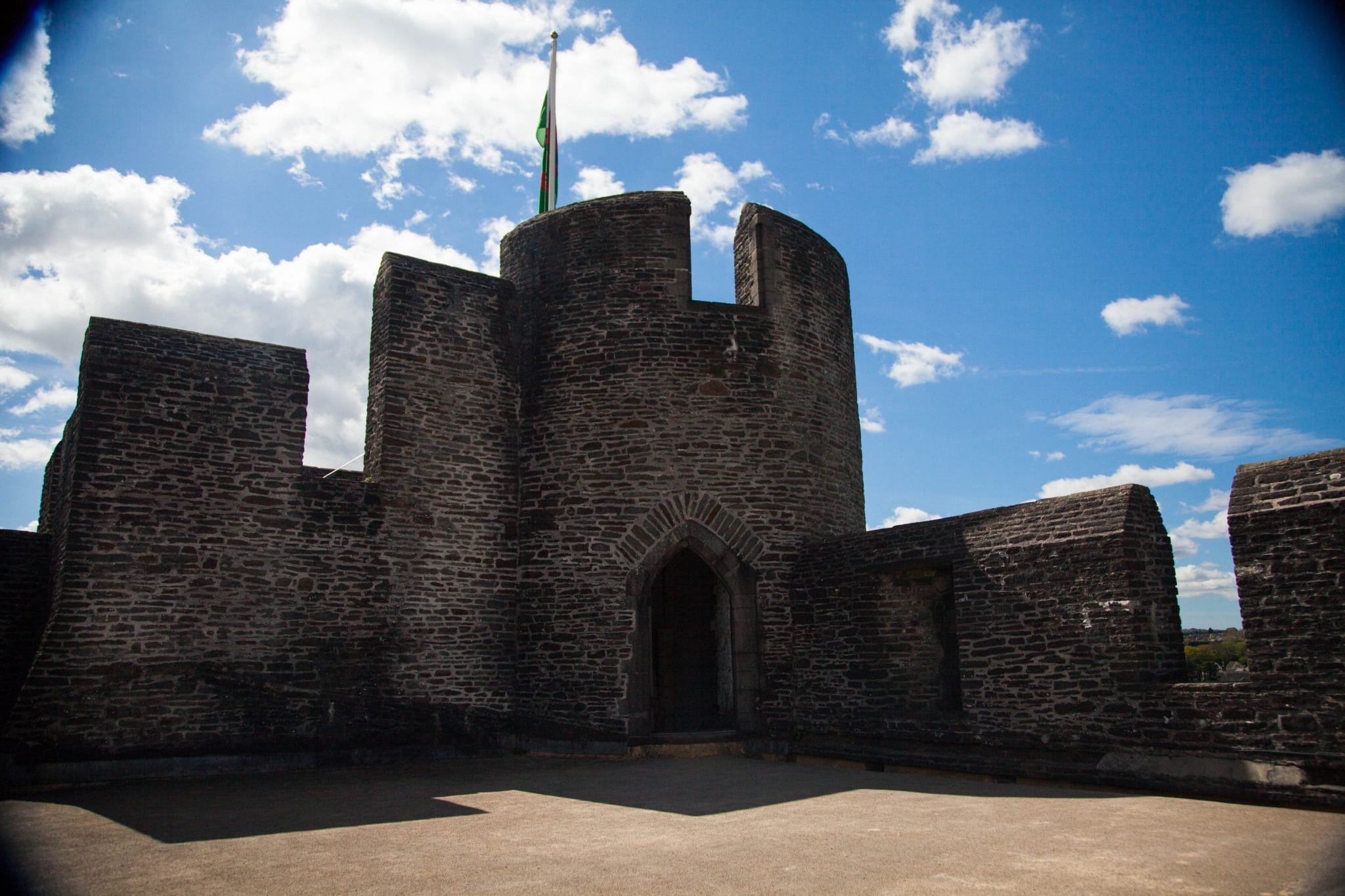 favourite-three-castles-in-south-wales-battlemum-caerphilly-dragons