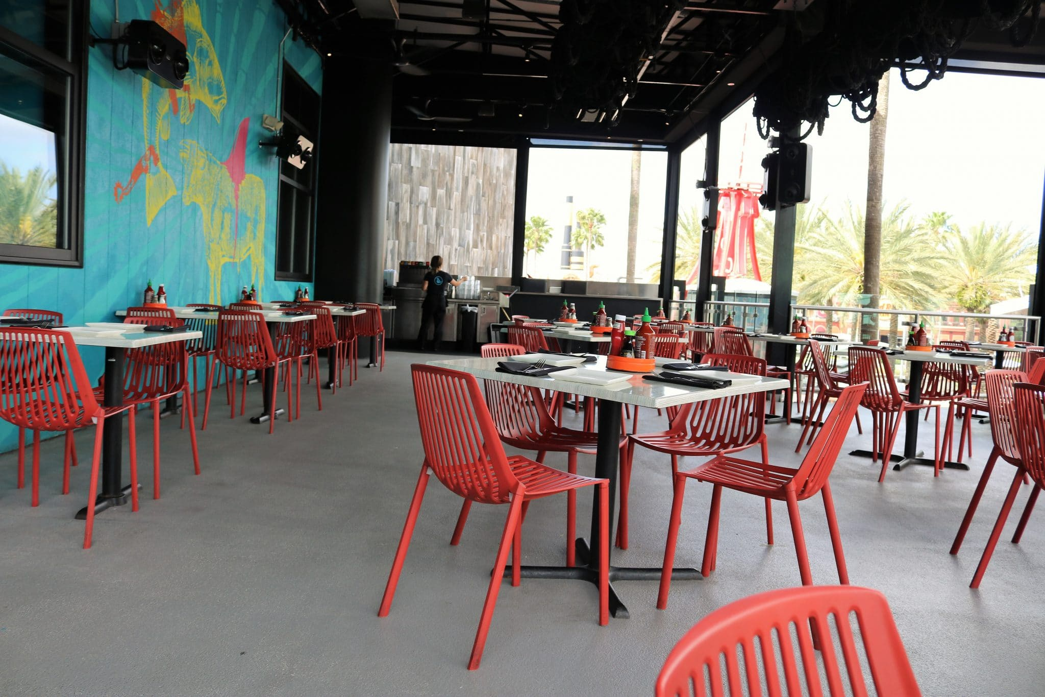 The outside eating area at Universal City Walk Cowfish