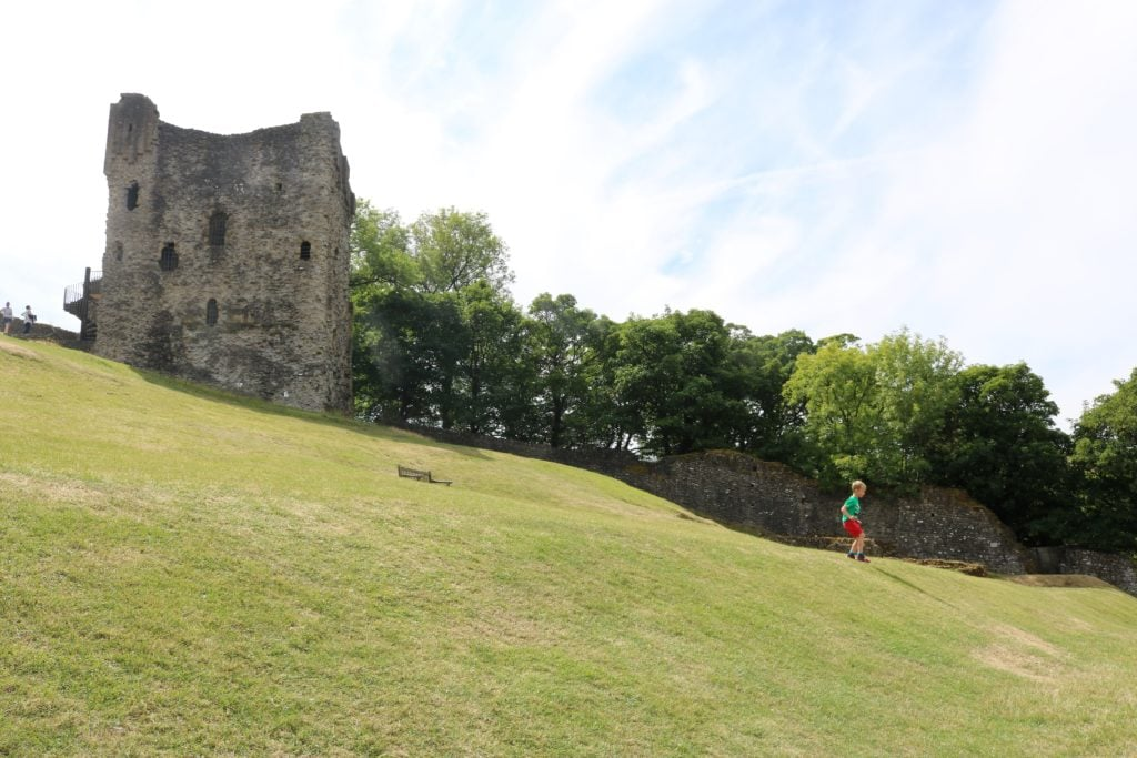Peveril Castle Castleton Review - English Heritage