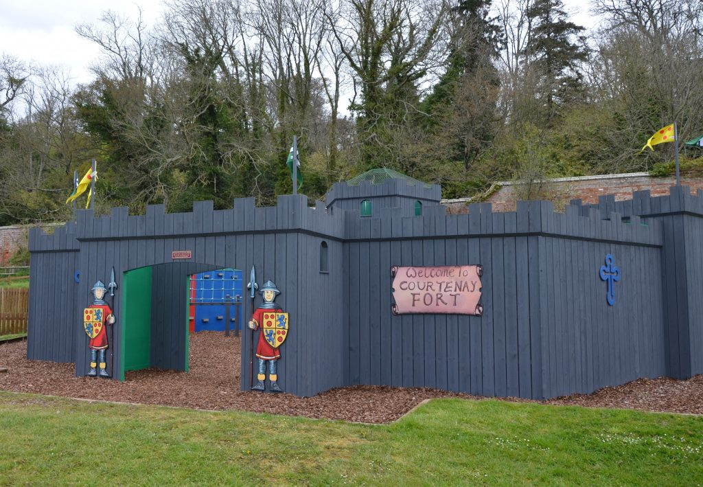 Courtenay Play Fort