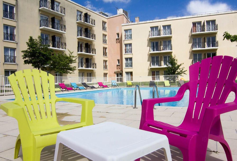 Cheap Hotels & Holiday Parks near Disneyland Paris