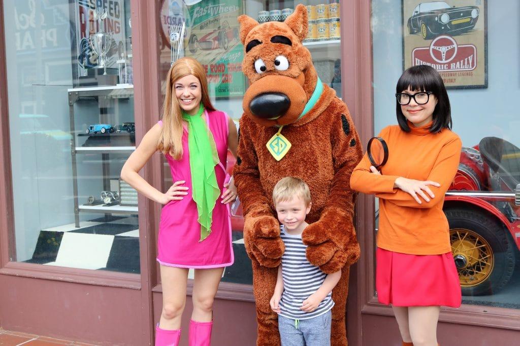 Meeting Scooby Doo at Universal Studios