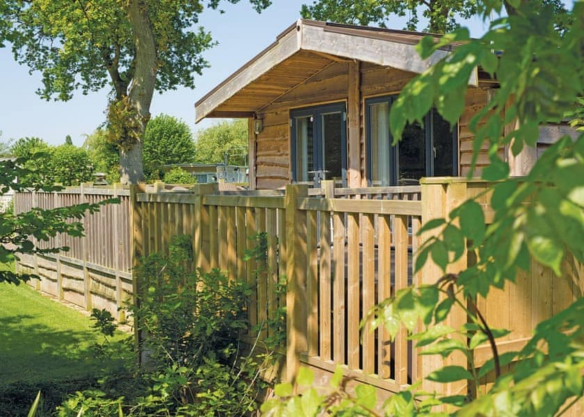 16 great Caravan Parks in Lincolnshire - Family Friendly