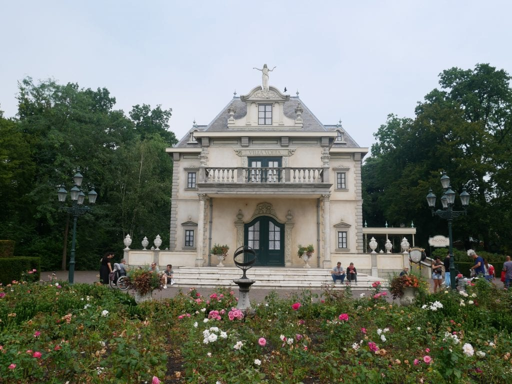 The outside of VIlla Volta