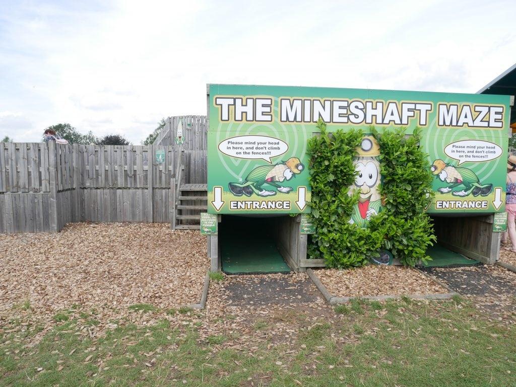 Mineshaft maze