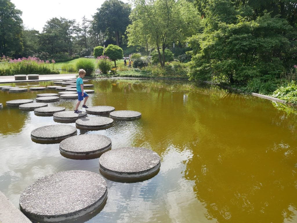 Stepping stones at Planten un Blomen