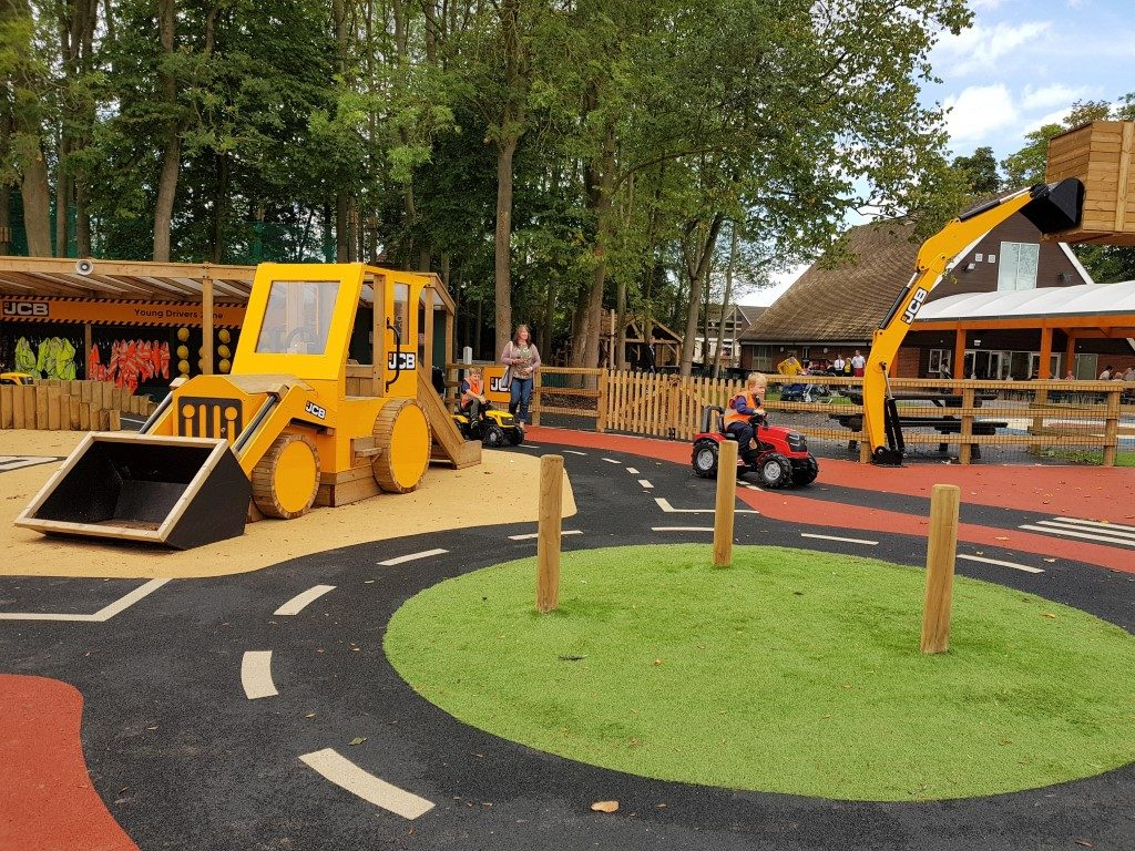 Featured image for Springfields Adventure Land With JCB Zone & Sky Net