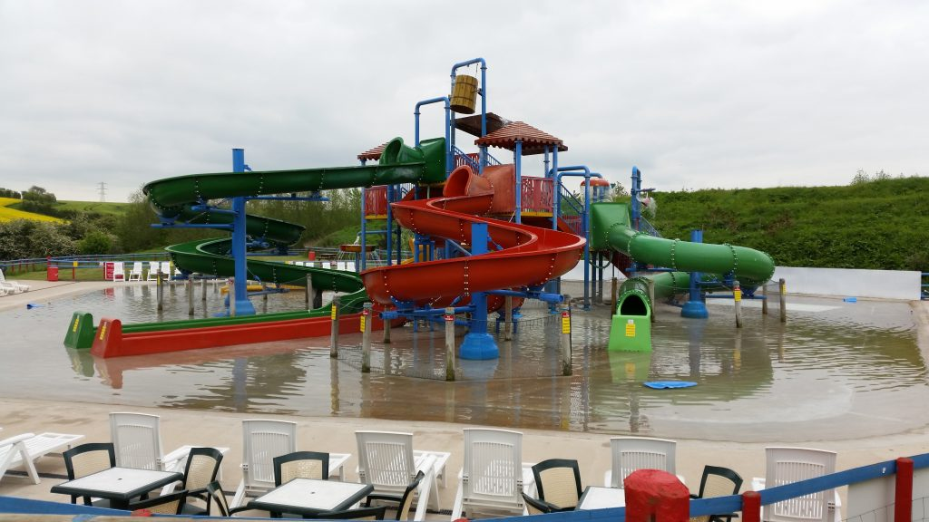 Twin Lakes Family theme park