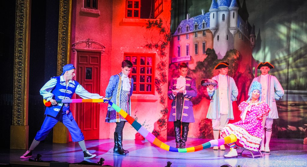 Cinderella Pantomime Review | Bridlington Spa