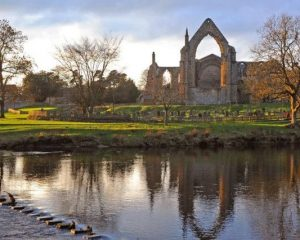 15+ Best Places in Yorkshire to Enjoy a Paddle