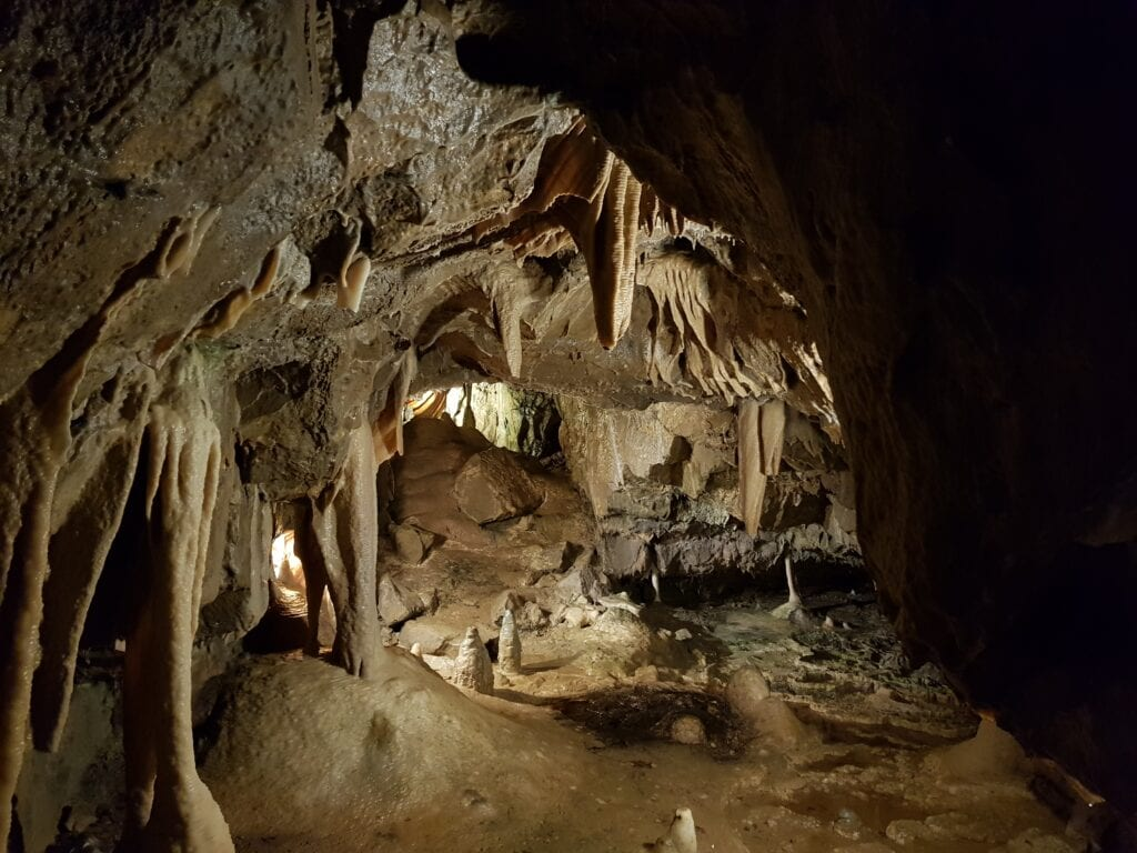 Stump cross caverns