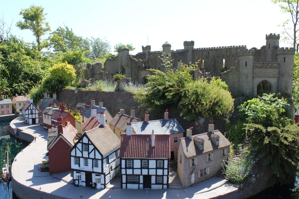 Featured image for Bondville Model Village