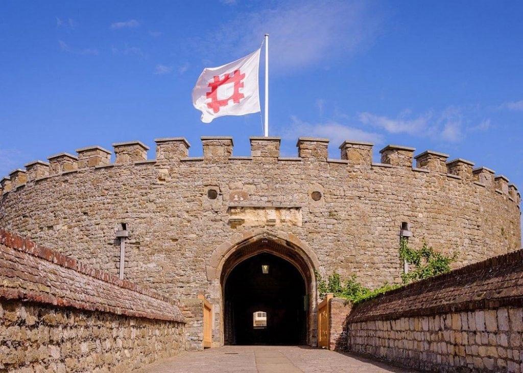 Thumbnail for Deal Castle